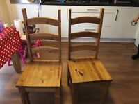 Corona solid wood table and chairs
