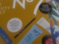 BOOTS NO7 BEAUTY VAULT NEW SEALED THIS YEARS