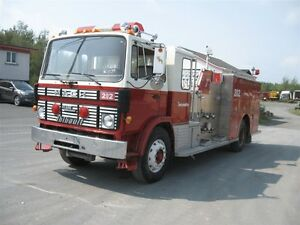 1990 Mack MS300