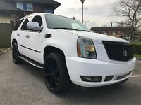 CADILLAC ESCALADE V8 AUTO - EX FOOTBALLERS VEHICLE AWESOME CONDITION 1 OF A KIND IN THE UK LIMITED!!