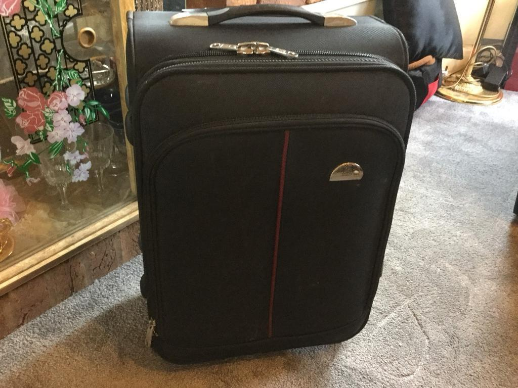 a8d721690f70 Leonardo cabin hand luggage 2 wheels perfect condition £13