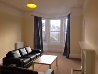 Festival rent available in superb four bedroom flat close to Edinburgh's Old Town