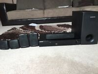 Samsung DVD player with Surround Sound Speakers