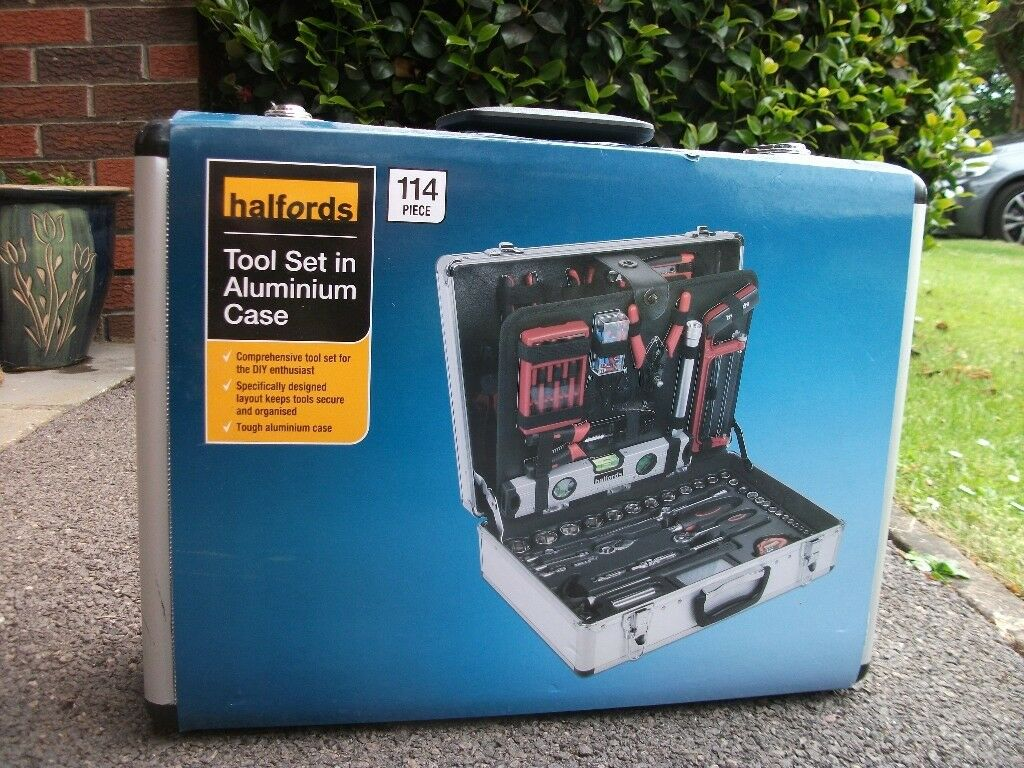 Halfords 114 Piece Aluminium Tool Set