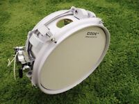 Crush custom vented 10x3.5 snare drum, birch shell, new heads, natal strainer