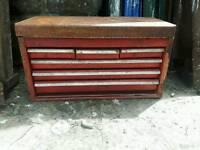 XL tool box