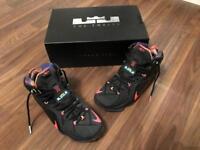 Nike air lebron xll 12 trainers size 9 rare