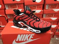 Nike tn's Black and red size 8