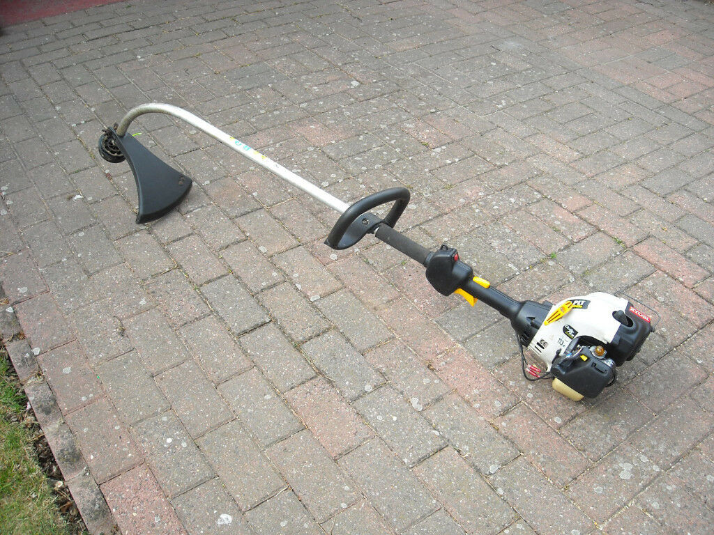 RYOBI PLT 3043e 3043ye Petrol Strimmer / Brushcutter with Manual (COLLECT WHIFIELD, DOVER)