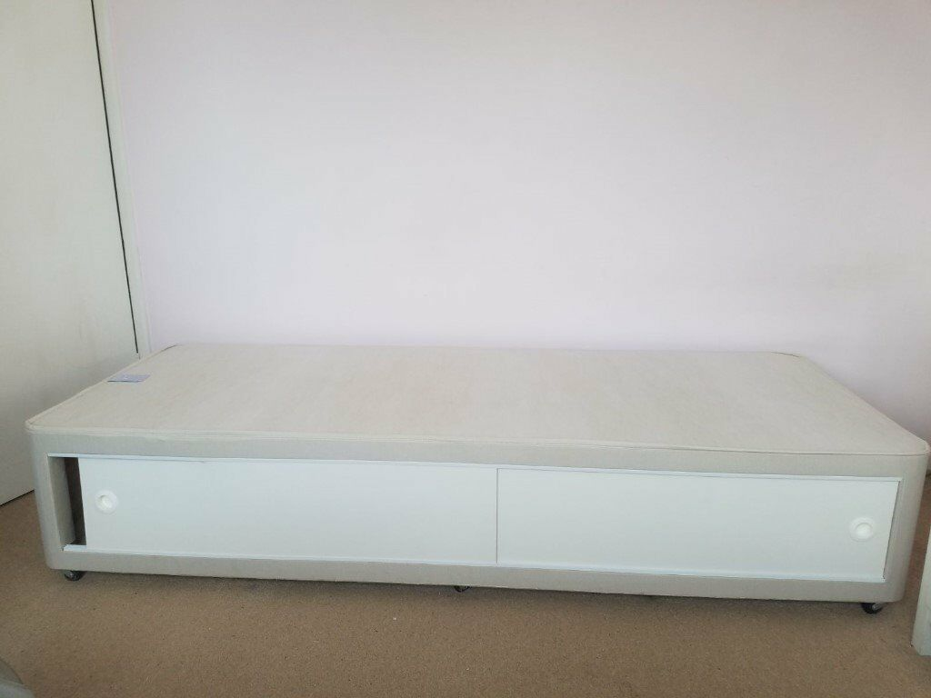 Small Single Divan Base 2 6 With Brand New Still Boxed Headboard