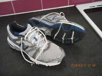 Running Shoes - Mens New Balance 940