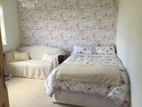 Double room to rent close to town centre