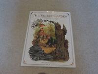 A hardback book of 'The Secret Garden' by Frances Hodgson Burnett, 2001