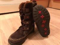 Girls Timberland Boots - Size 8.5