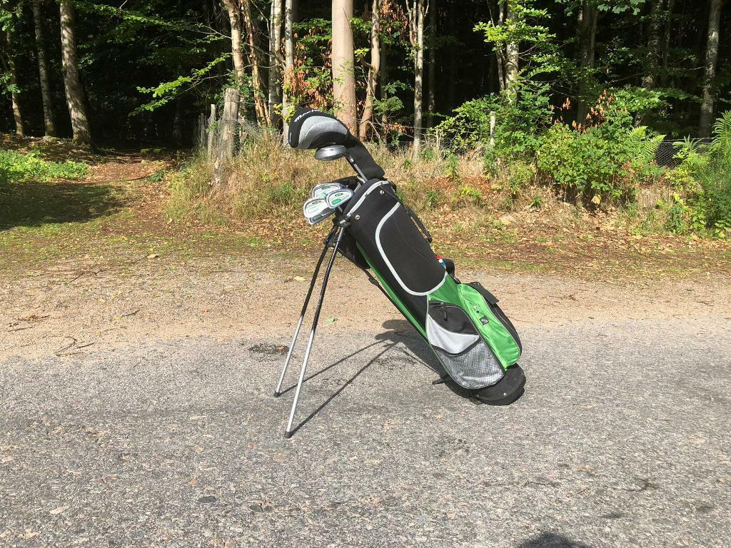 Young Gun 2 Mid-size golf clubs (half set) - Suitable for ages 8-12 | in  Banchory, Aberdeenshire | Gumtree