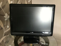Excellent condition Toshiba 22in LCD TV/DVD Combination