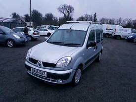 Renault kangoo 1.6L 5DR Automatic 2006 1 year mot service history excellent condition
