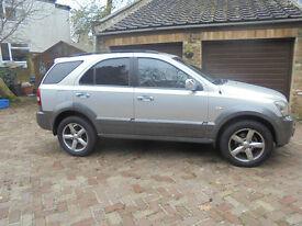 Kia Sorento XSE CRDI AUTOMATIC 2005 for quick sale £3,600 83,000 miles excellent condition