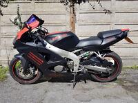Kawasaki ZX6R Ninja 600 - Red & Black Carbon - Scottoiler, Sports Exhaust, K&N