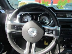 2012 Ford Mustang V6 Premium * LEATHER * HEATED POWER SEATS London Ontario image 11