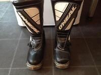 Motocross boots size7 O'neal elements