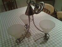 Electric centre light with three arms
