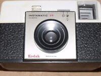 Vintage Kodak Instamatic 25 camera with case.
