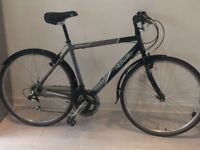 Men's Bike. Apollo Hybrid. Rarely used and in excellent condition. Quick Sale £100.00