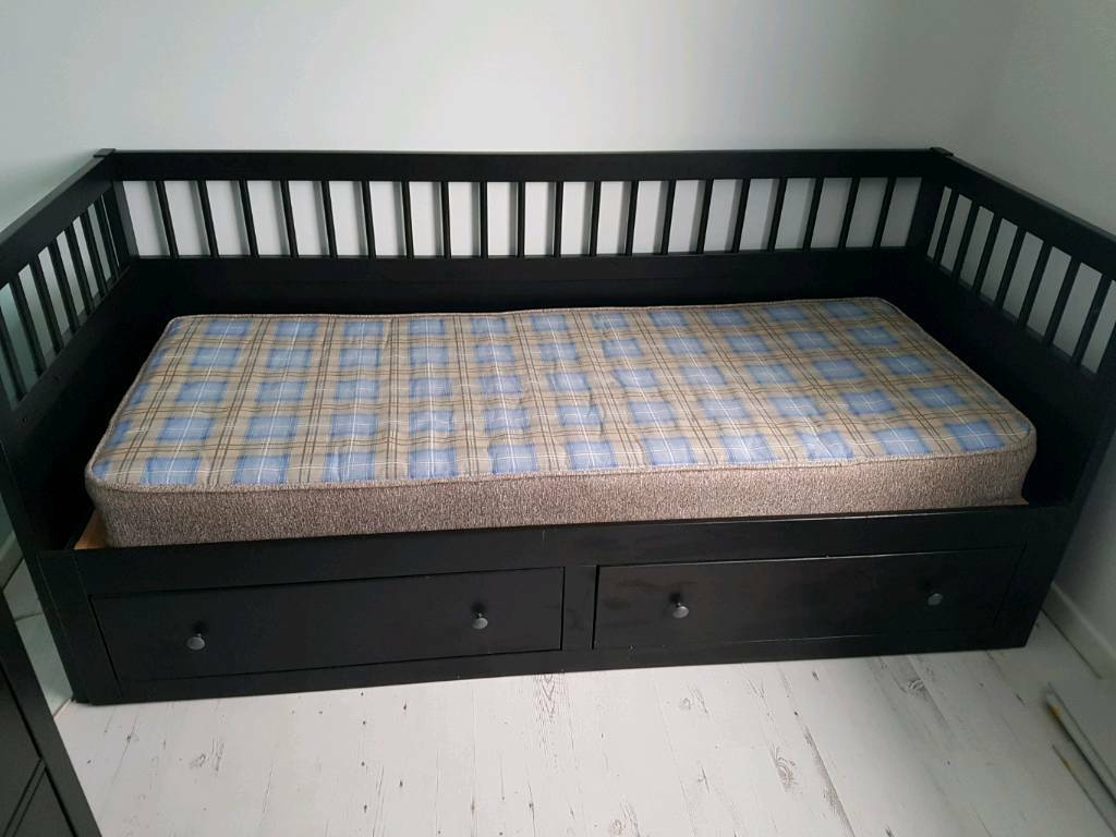 Ikea pull out day bed single/double