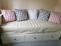 WANTED Day bed with trundle
