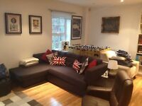 Double Bed with en Suite- Split Level in Piano Warehouse in Clapham Common