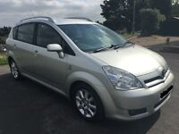 2005 TOYOTA COROLLA VERSO BREAKING FOR PARTS IN SILVER