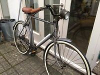 Triumph reconditioned dutch style town bike - 60 cm / 23 Inch