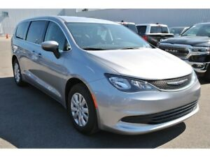 2017 Chrysler Pacifica LX STOW'N GO