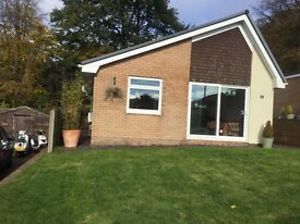Detatched bungalow in Marldon, Devon, modern with 2 bedrooms