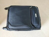 Samsonite 4-wheel cabin size suitcase in black