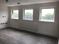 2 bed 2 bath 1 st floor modern flat in Ealing Broadway, W5