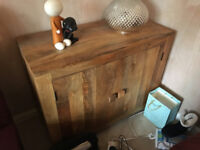 Mango wood small sideboard (Mantis Light)