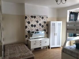 1 Bedroom Flat Newly Furbished in Romford, RM1