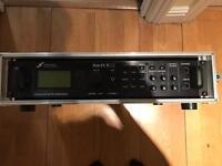 Fractal Axe FX-II XL, power amp Matrix GT1000FX, rack 2U, Behringer FCB 1010, EHX bag, furman power