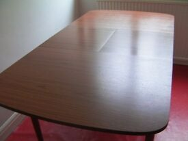 Dining Room Extendable Table Seats 4 or 6 People