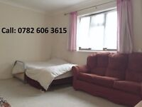 Short term room share - 20 minutes from Canary wharf - seeking muslim male student/professional