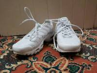 White Nike Tn's for sale. Size 7 in good condition, worn once