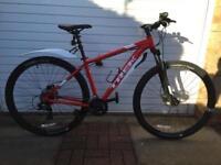 "Men's Trek Marlin 6 18.5"" mountain bike"