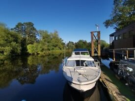 Birchwood 25 live aboard motorboat with mooring in Bishopthorpe, York available
