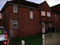 3 bedroom house large garden driveway unfurnished to let £660 / month Armley