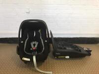 Maxi Cosi Pebble Plus car seat with Maxi Cosi 2wayfix isofix base isafe