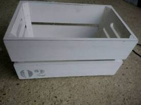 Small crate box white ideal for wedding