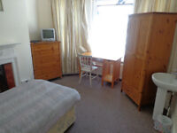 Single bed room WESTBOURNE in house share. NO SMOKERS! AVAILALBE NOW