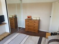 Double Room (two available) - in 3 bedroom property in south london commuter belt